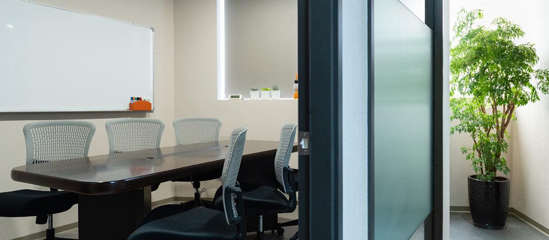 信義區會議室出租-小會議室有白板可使用