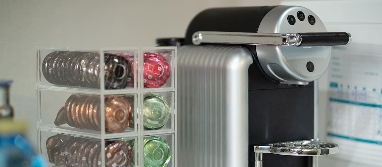 信義區會議室出租-免費提供濾淨智控飲水機、日本茶、膠囊咖啡