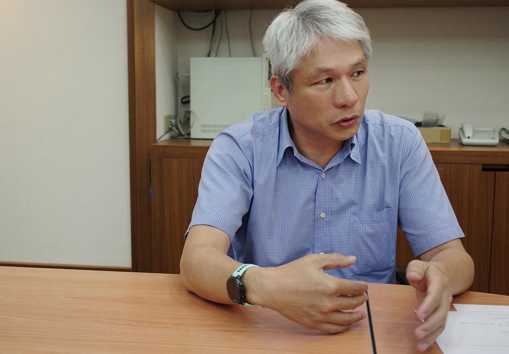 照片為國洋通信陳先生分享利用App Script程式連動Google雲端服務